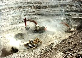 """""""<a href=""""http://commons.wikimedia.org/wiki/File:Pakistan_Chrome_Mines20120126_16100237_0003.jpg#/media/File:Pakistan_Chrome_Mines20120126_16100237_0003.jpg"""">Pakistan Chrome Mines20120126 16100237 0003</a>"""" by <a href=""""//commons.wikimedia.org/w/index.php?title=User:Trueblood786&amp;action=edit&amp;redlink=1"""" class=""""new"""" title=""""User:Trueblood786 (page does not exist)"""">Trueblood786</a> - <span class=""""int-own-work"""" lang=""""en"""">Own work</span>. Licensed under <a title=""""Creative Commons Attribution-Share Alike 3.0"""