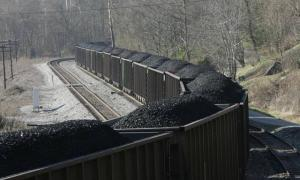A coal train near Typo Tunnel Lane in Typo on Dec. 11, 2006. Lexington (Photo by Lexington Herald-Leader)