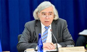 A group led by former Energy Secretary Ernie Moniz is planning an 11-month project on air capture. U.S. Department of State/Wikipedia