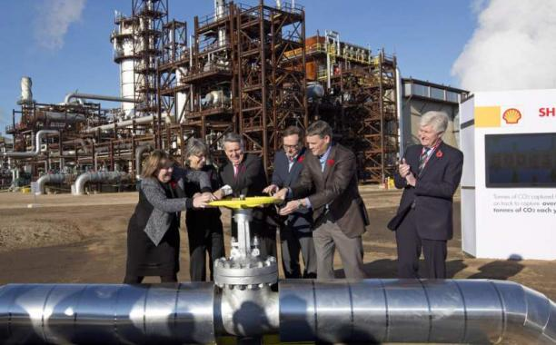 From left, Alberta Energy Minister Marg McCuaig-Boyd, Shell Canada President Lorraine Mitchelmore, CEO of Royal Dutch Shell Ben van Beurden, Marathon Oil Executive Brian Maynard, Shell ER Manager, Stephen Velthuizen, and British High Commissioner to Canada Howard Drake open the valve to the Quest carbon capture and storage facility in Fort Saskatchewan on Nov. 6, 2015. Quest is designed to capture and safely store more than one million tonnes of CO2 each year an equivalent to the emissions from about 250,00